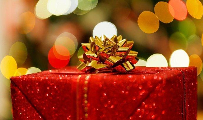 Darujte pod stromeček předplatné E15 Premium. Máme pro vás speciální vánoční poukaz