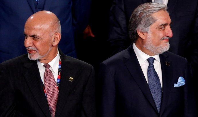 Osmiměsíční nejistota končí, afghánští prezidenti dosáhli dohody o dělbě moci