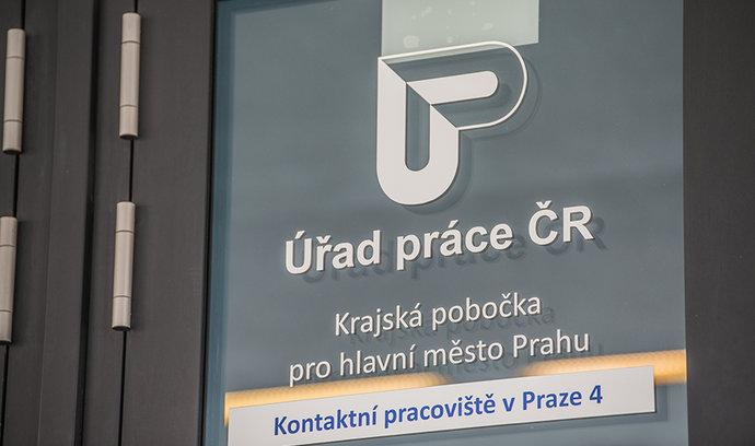Průzkum: Téměř každý druhý Čech si myslí, že krize je tady