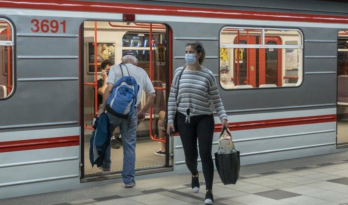 V Česku je poprvé od začátku pandemie přes 5000 nemocných s COVID-19