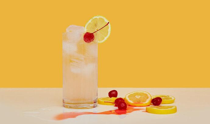 Namíchejte si doma drink, kterým si zlepšíte sobotu: Tom Collins