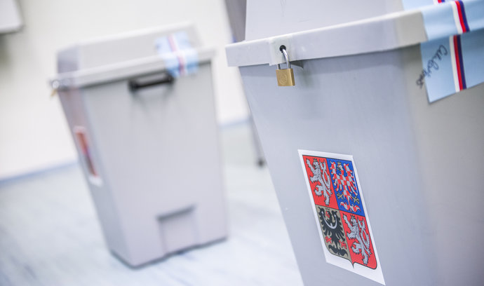 Druhé kolo senátních voleb 2020: Volební lístky dostanou lidé až ve volební místnosti