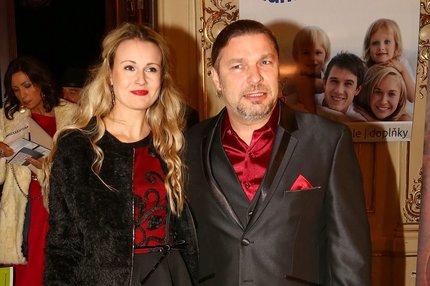 Petr Kolář nekopromisně: Mladší partnerka má holt smůlu