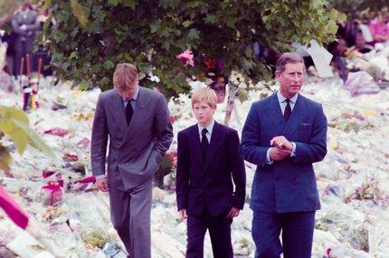 Pohřební šílenství okolo slavných hvězd: Elvis, Diana a další