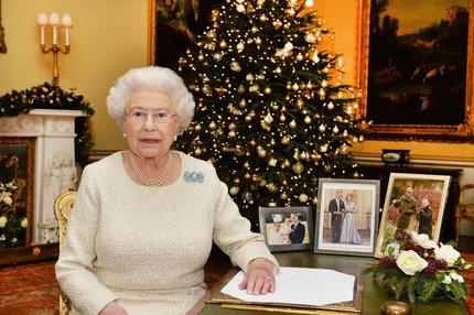 Svátky u královny: Přes tohle v paláci nejede vlak!