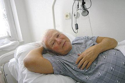 Utrpení Karla Fialy (94) v LDN: Lepší by bylo nebýt ...