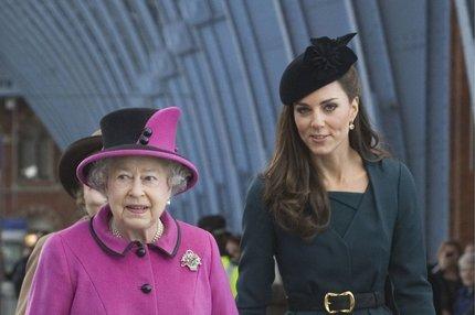 Dokonalá idylka? Vztah královny ke Kate je nečekaný!