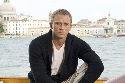 Bond prohrál s koronavirem!