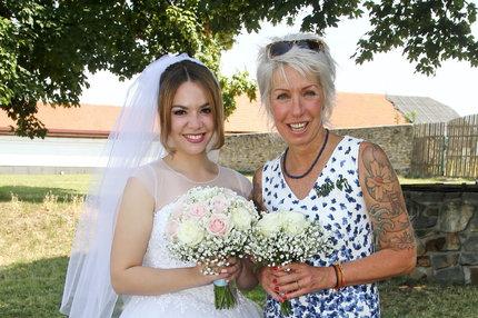 Březinová 8 let po sebevraždě manžela: Vedla k oltáři dceru!