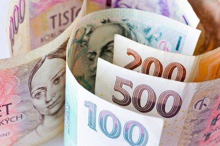 Mzdy vzrostou o 1500 Kč! Koho se to týká?