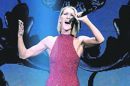 Nová vizáž Céline Dionové: Méně vlasů, více svalů