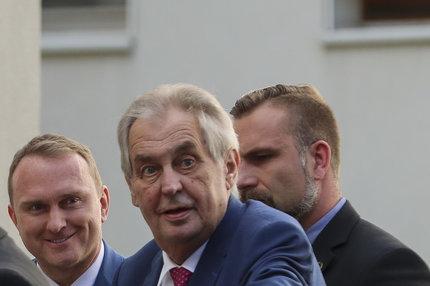 Strach o zdraví Miloše Zemana: Kdo touží po místu prezidenta!