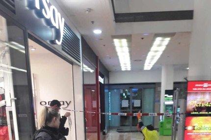Děsivý případ v Praze: Pokus o vraždu v obchodním domě