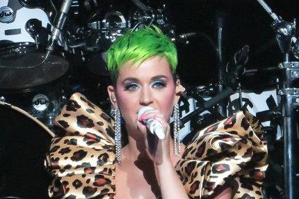 Těhotná Katy Perryová: Je z ní invalida?!
