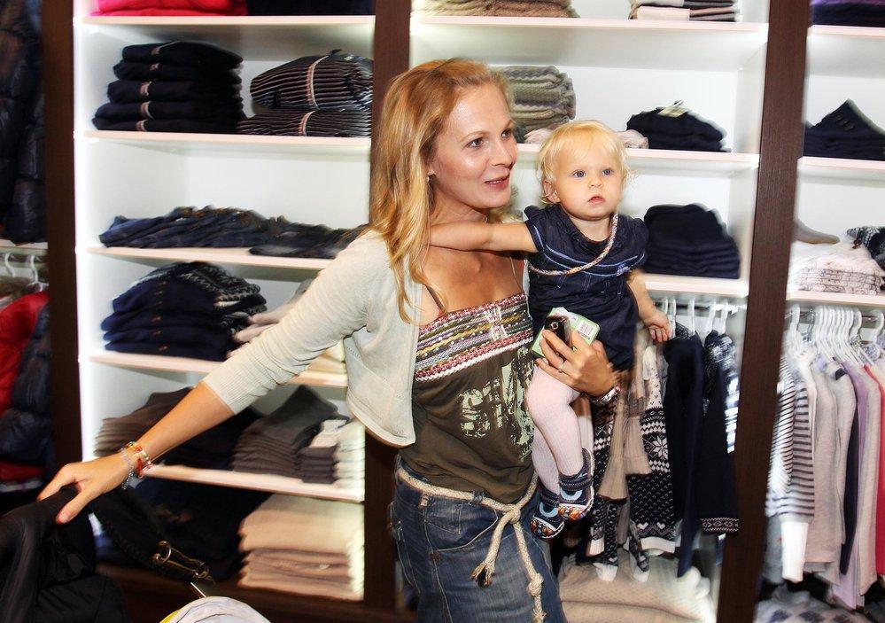 Michaela Badinková ukázala dceru Evelínu.