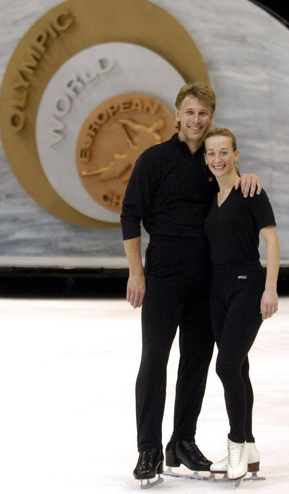 Krasobruslařští šampioni Kovaříková a Novotný byli čtrnáct let manželé, pak se rozvedli a hádají se o majetek.