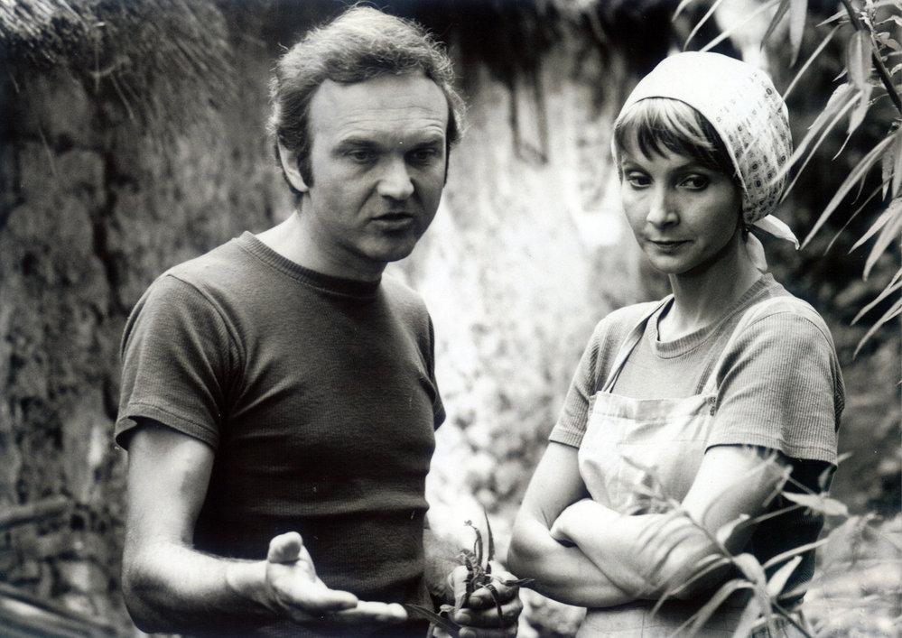 Na samotě u lesa (1976). Role: paní Lavičková