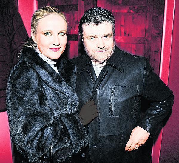 Karel Svoboda se svou ženou Vendulou