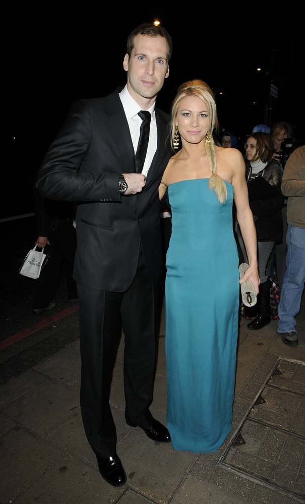 Petr Čech a jeho manželka Martina se hodili do gala.