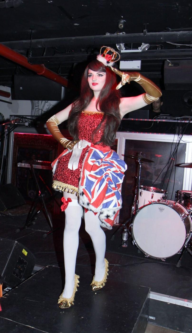 Katrina Darling (21), se živí jako burleskní tanečnice.