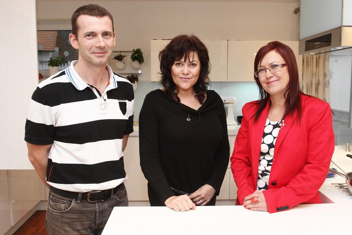 Ilona Csáková s Kateřinou Cajthamlovou a Petrem Havlíčkem.