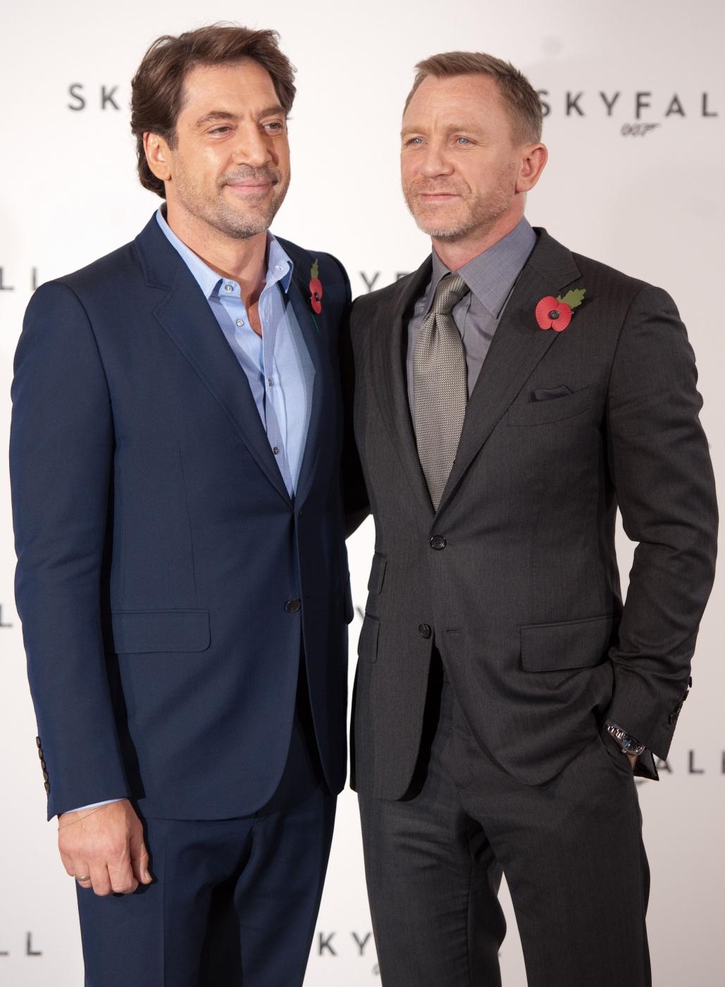 Daniel Craig se španělským hercem Javierem Bardem na prezenci nového filmu o Jamesu Bondovi