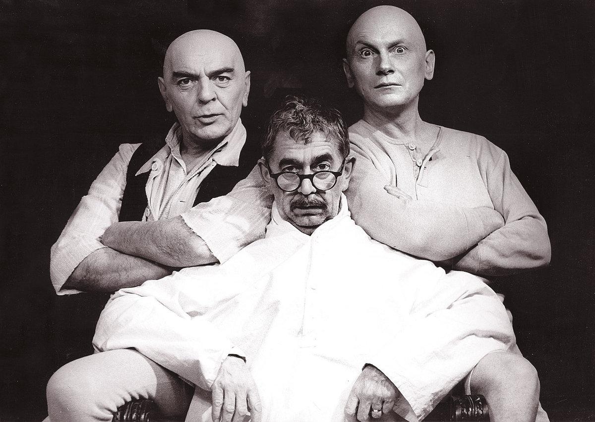 Vlastimil Brodský, Josef Dvořák a Josef Bláha si zahráli ve filmu Návštěvníci