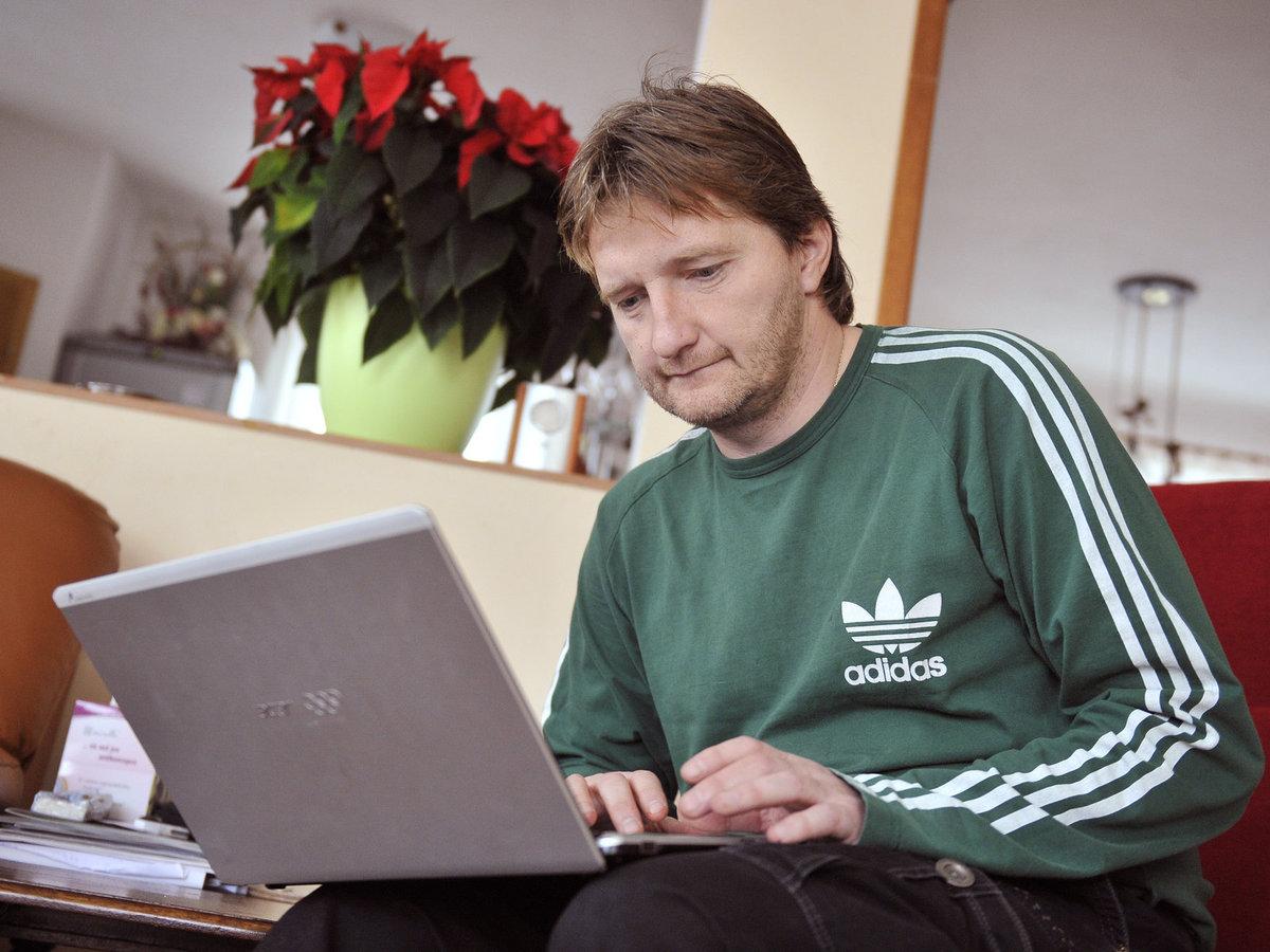 Televizní komentátor Jaromír Bosák