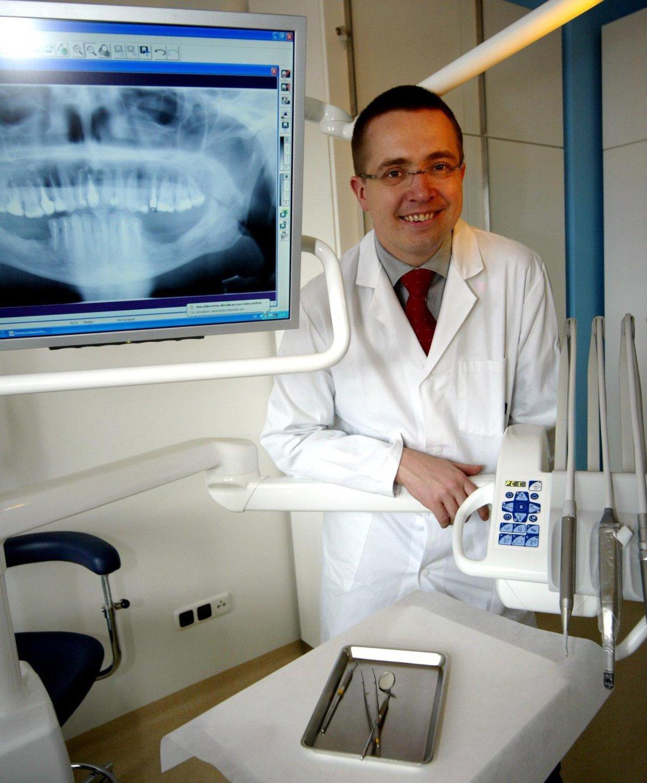 Stomatolog a ředitel kliniky Asklepion Roman Šmucler