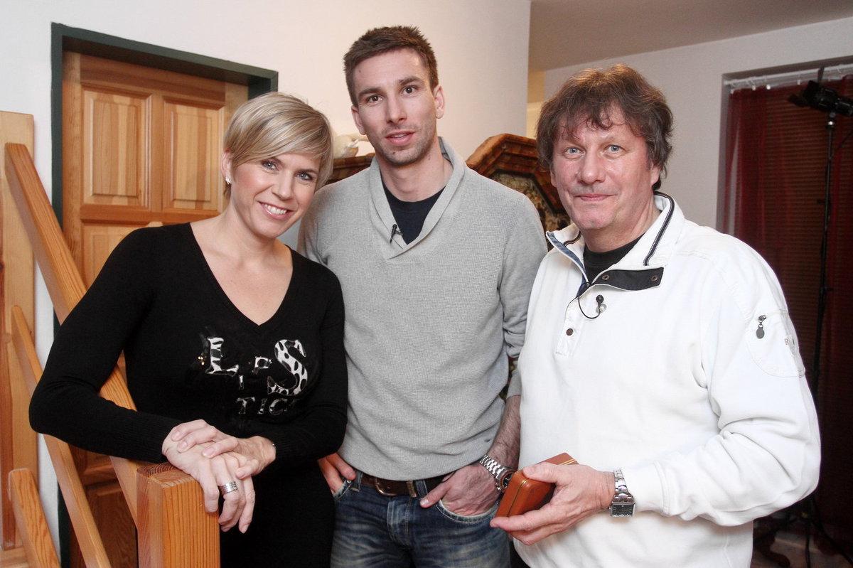Stanislav Hložek se synem a Kateřinou Neumannovou.