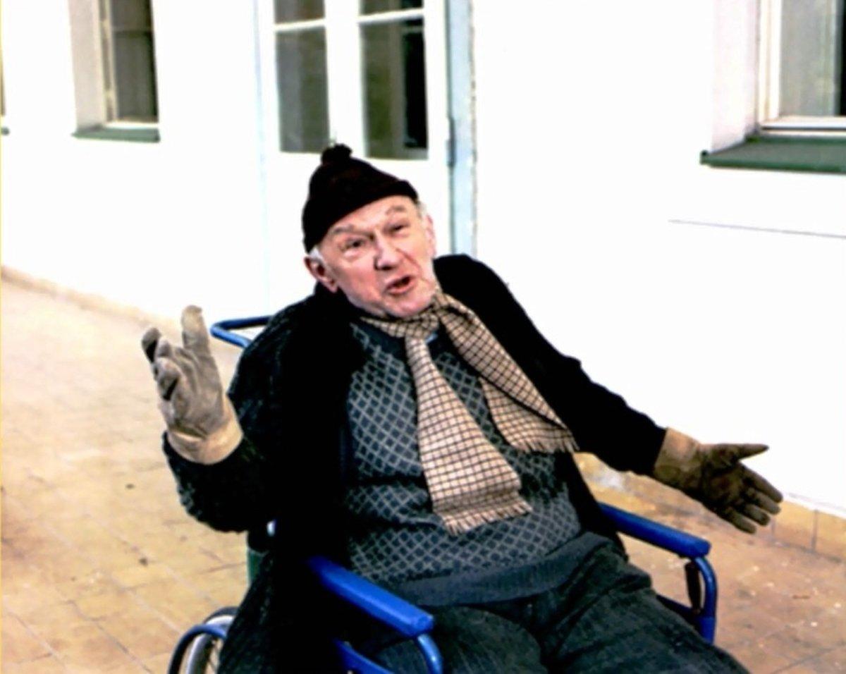 Důchodce Valerián Adolf v podání Františka Filipovského.