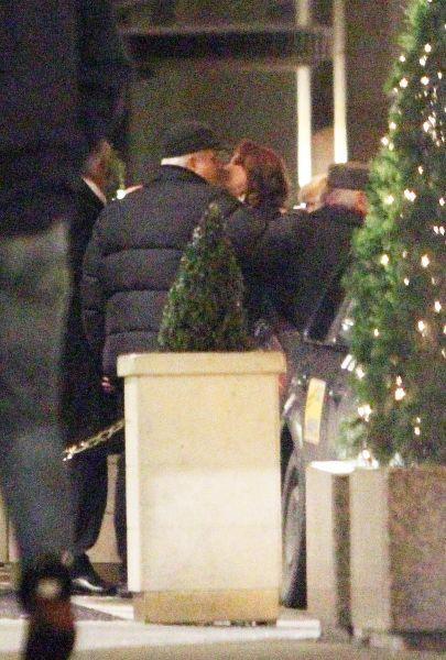 Listopad 2010: Zlata a Petr se v Praze objímali na ulici. Byl to první důkaz jejich vzájemné náklonnosti