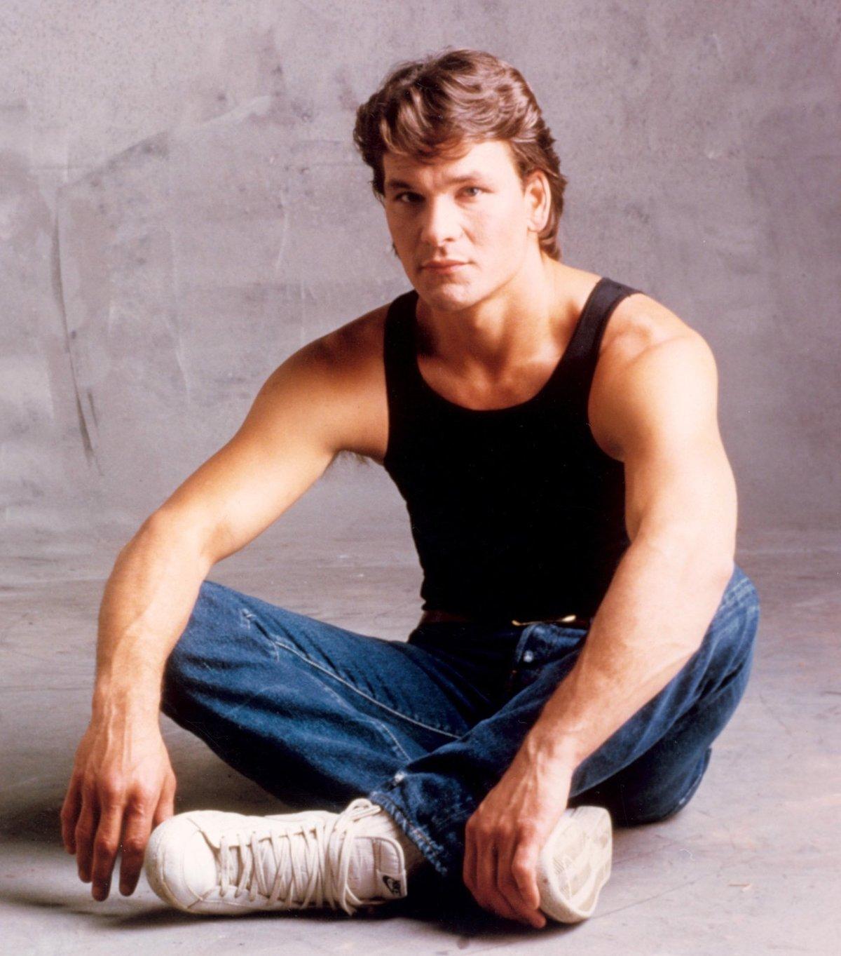 1987: Patrick jako Johnny Castle ve snímku Hříšný tanec.