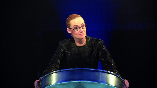 Zuzana Slavíková v roce 2003 si s gustem smlsla na nejednom soutěžícím.