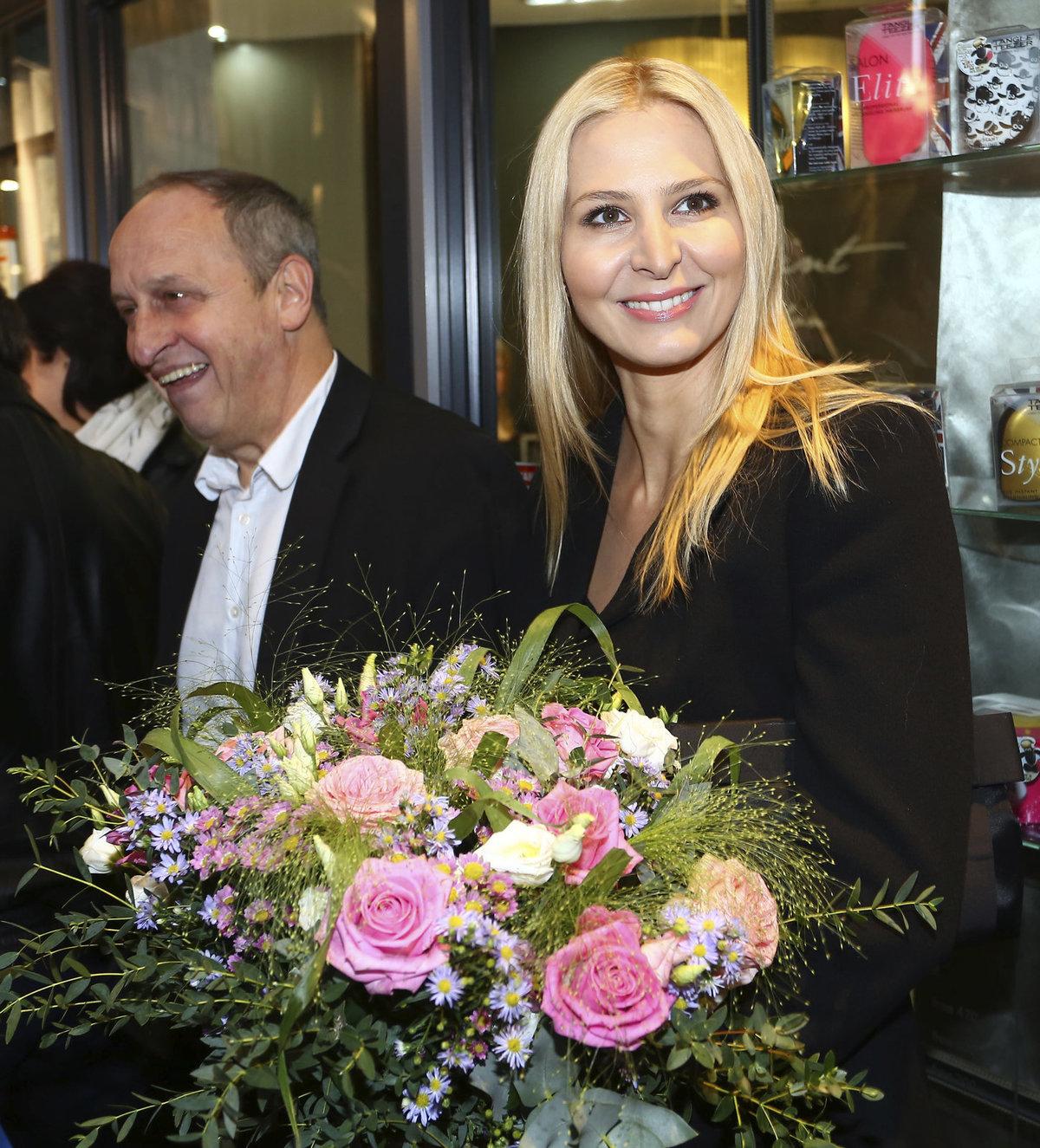 Ivana Gottová jako blondýna v listopadu 2013
