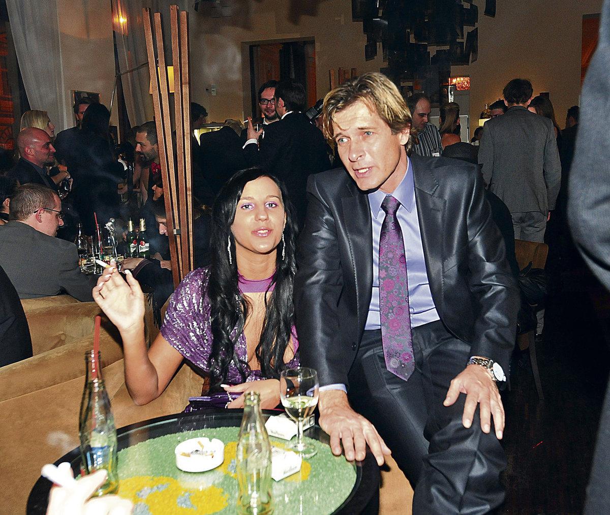 Martin Pouva s expřítelkyní.