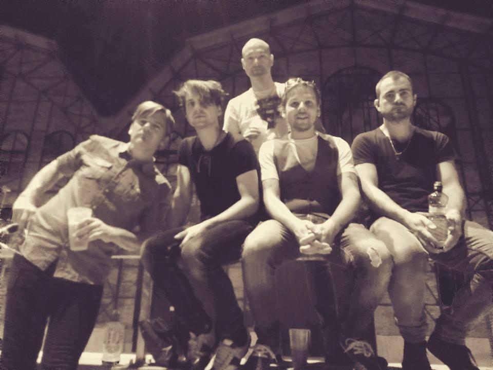 Poslední foto kapely před tragédií