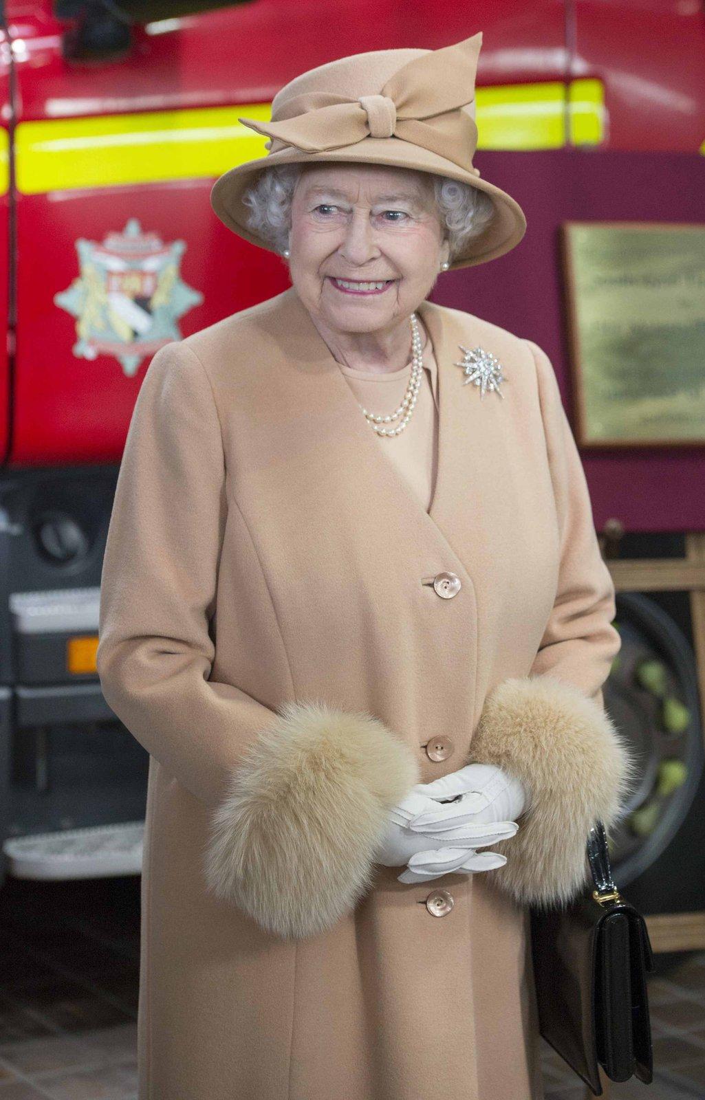 Královna Alžběta II. je na britském trůnu už 63 let.
