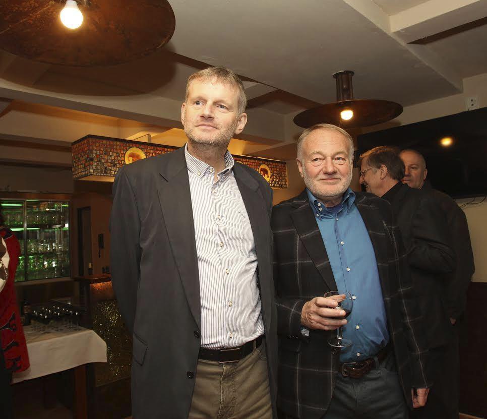 Syn Luďka Soboty Robert svou knihou konkuruje světovému bestselleru 50 odstínů šedi.
