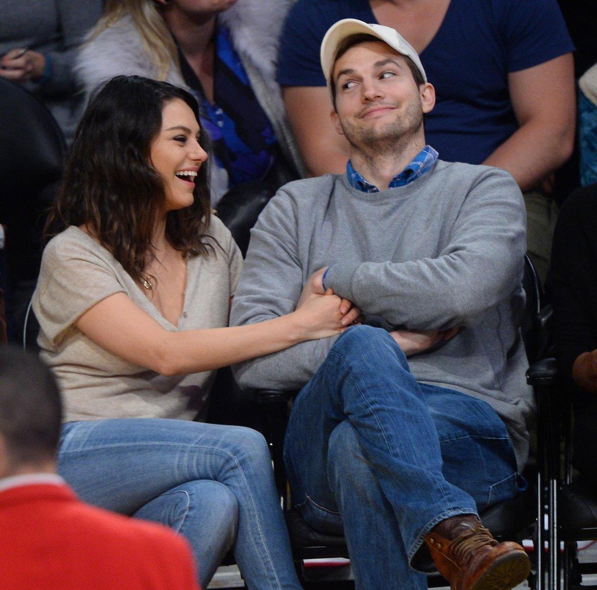 Mila Kunis konečně musela přiznat, že jsou s Ashtonem Kutcherem manželé.