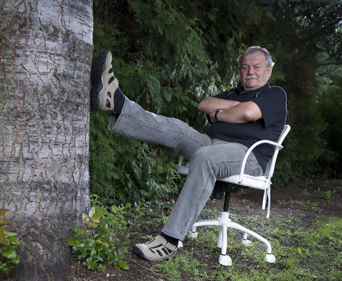 2015 - V 70, kdy jiní končí, je Karel Šíp vyhledávaným moderátorem a scenáristou.