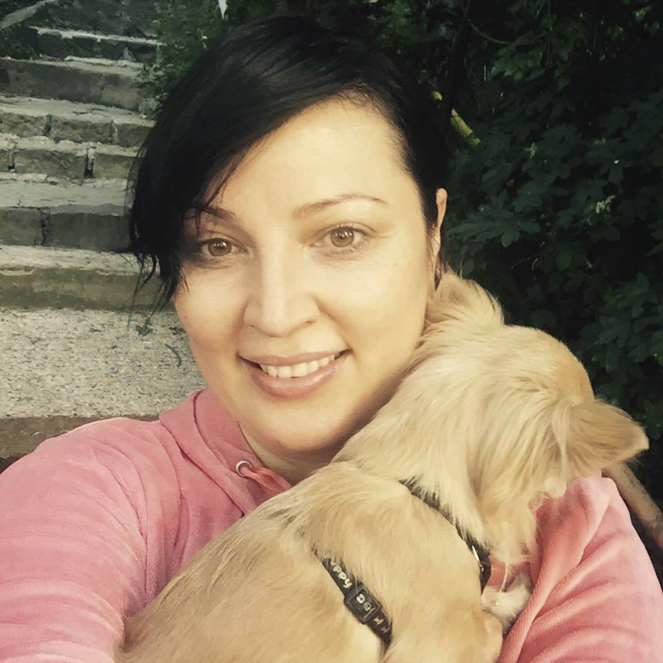 Bývalá misska Christová se svým psem vyráží v sobotu v šest hodin ráno na dlouhý špacír.