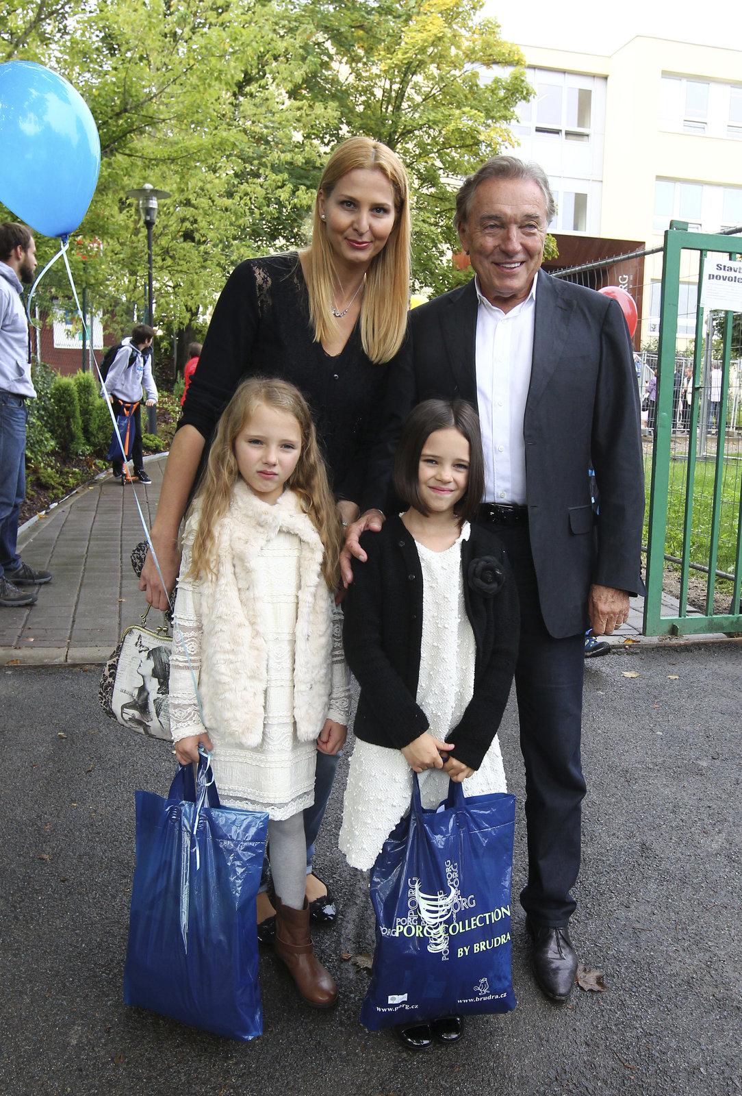 Karel Gott slaví 76. narozeniny.