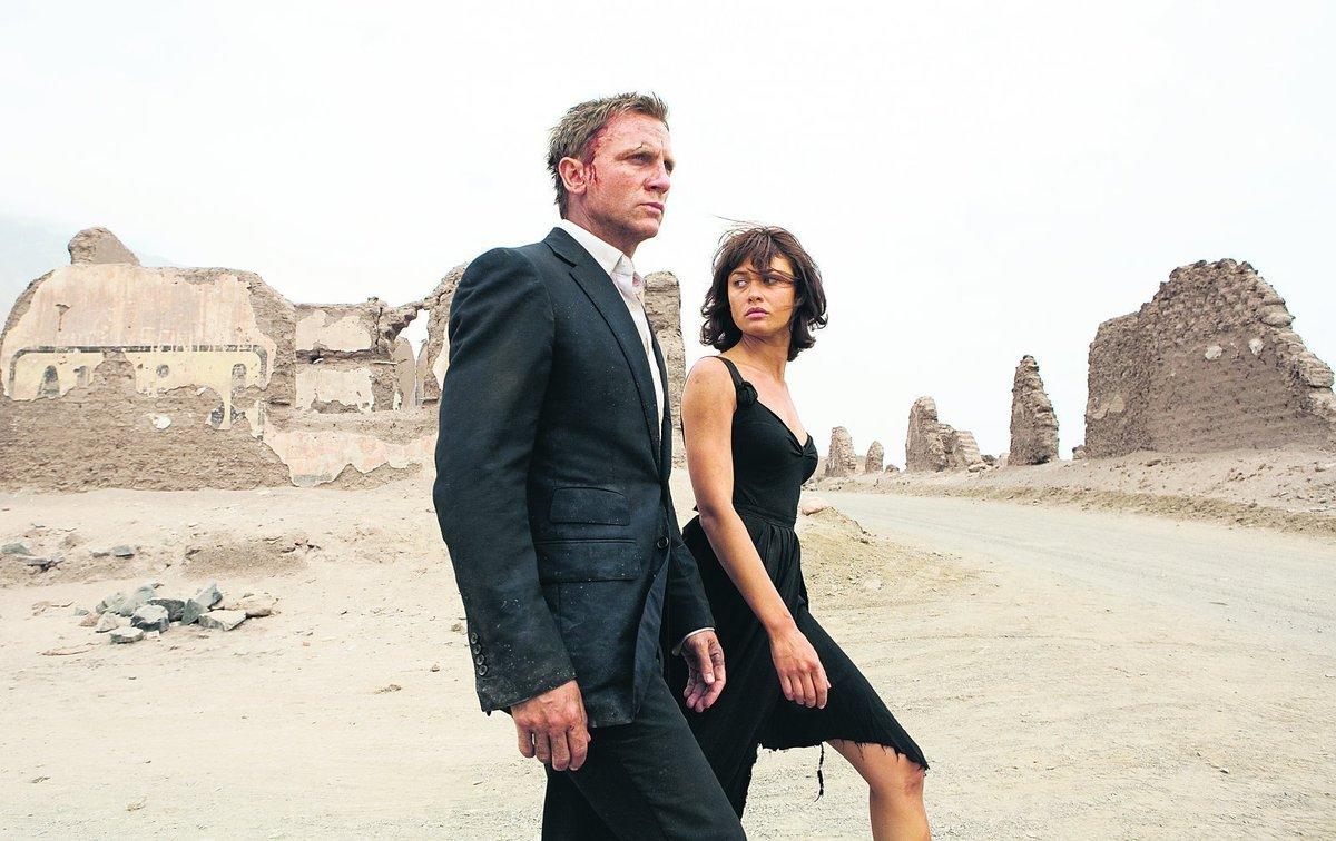 Bondgirl Camille v podání Olgy Kurylenko se intimní scény s Danielem Craigem nedočkala
