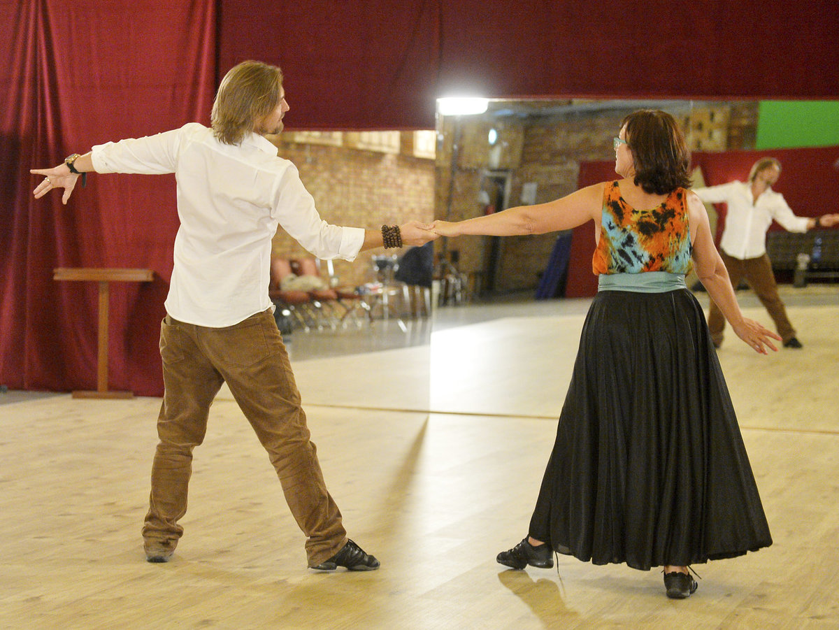 """""""Tanec je pohyb mezi kroky,"""" říká Čadek."""