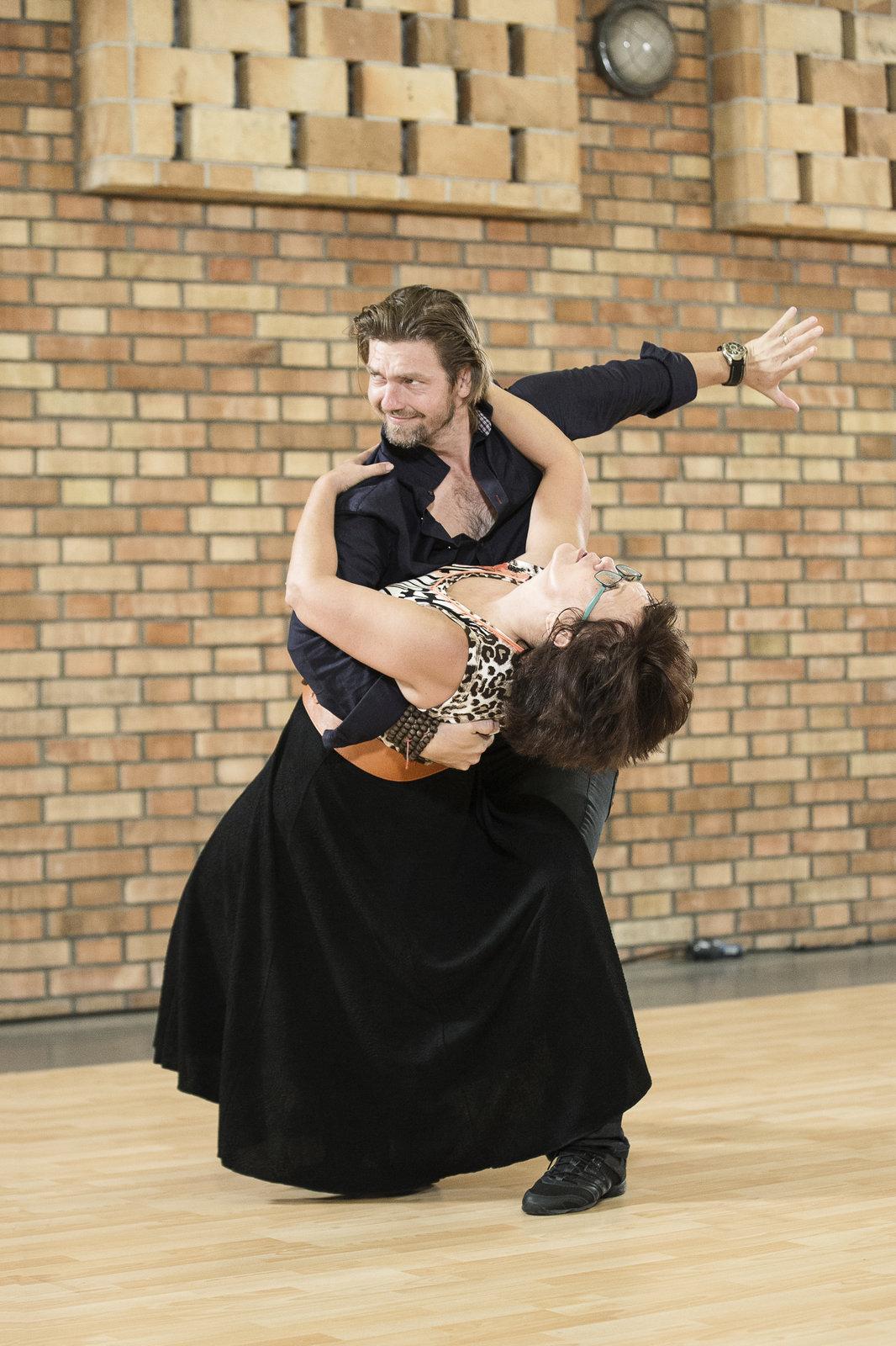 Díky tanci přestala Cajthamlovou bolet záda.