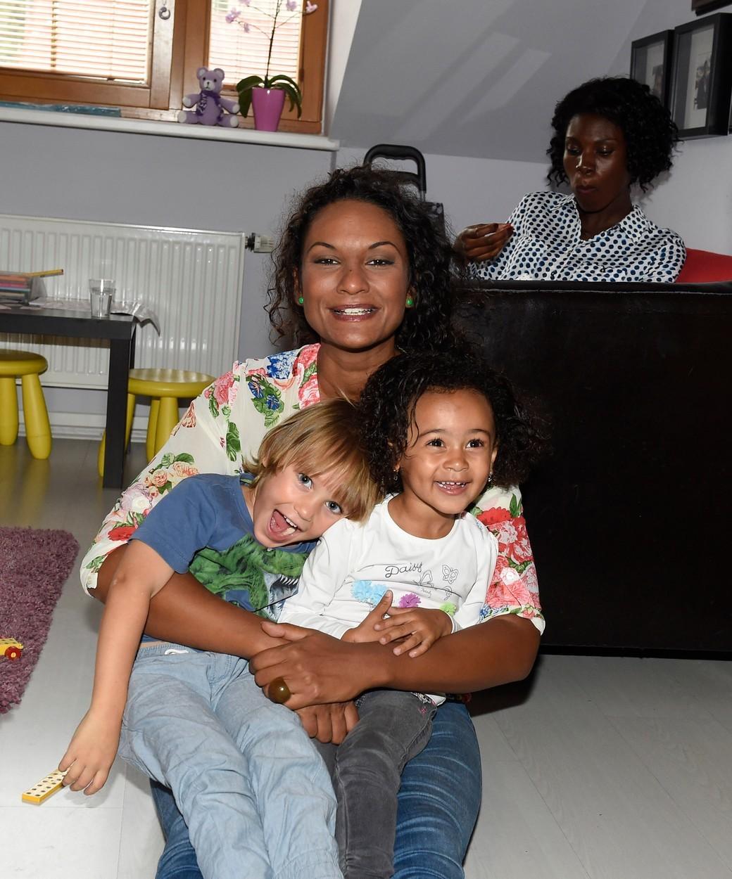 Lejla Abbasová si užívala se synem Davidem a jeho kamarádkou...