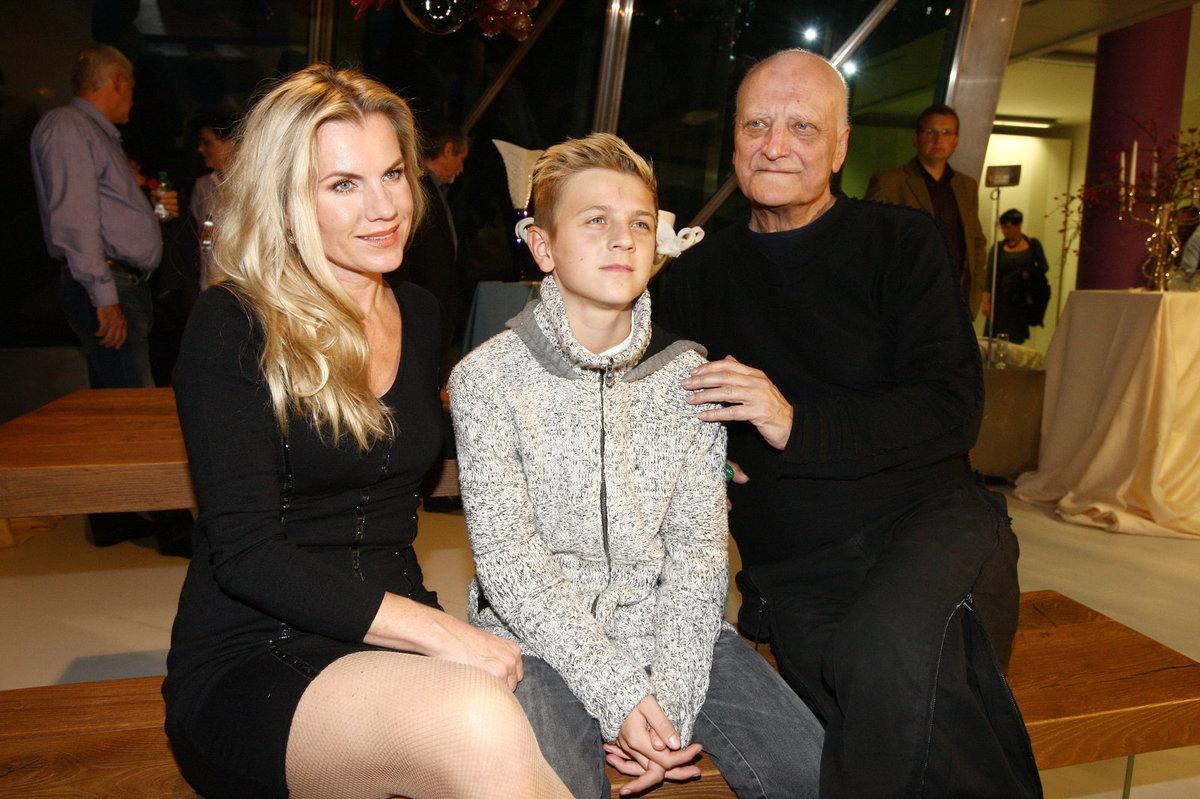 Bořek Šípek s Leonou Machálkovou a synem Arturem