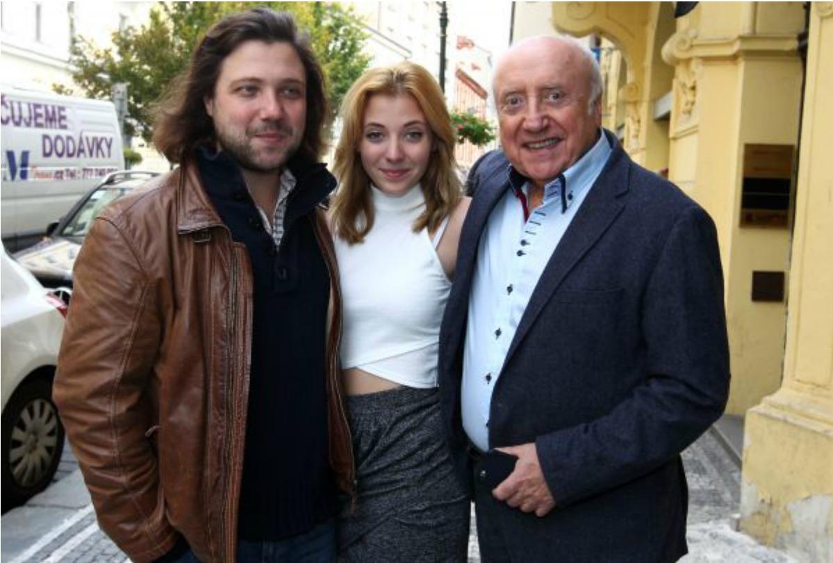 Syn Felix, dcera Anička a otec Felix Slováček vystoupí na koncertu společně.