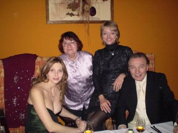 Gott s manželkou, s nejstarší dcerou Dominikou a její maminkou Antonií.
